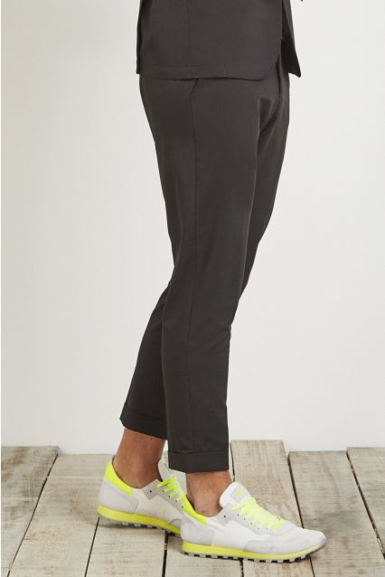 PANTALONE CROPPED CARROT FIT